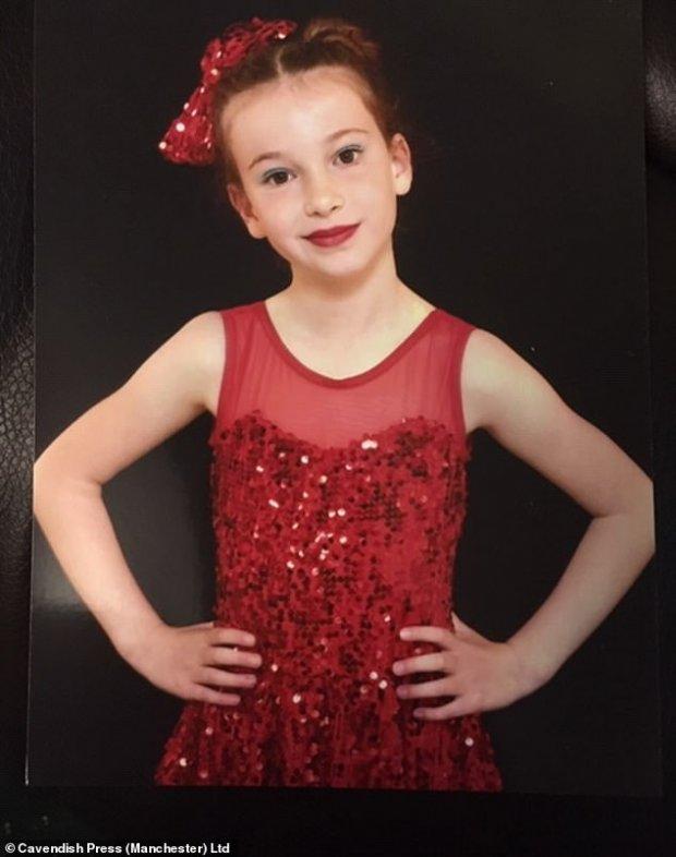 Fetiță de opt ani omorâtă de un șofer care își făcea selfie
