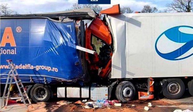Șoferiță româncă, moartă într-un cumplit accident în Franța