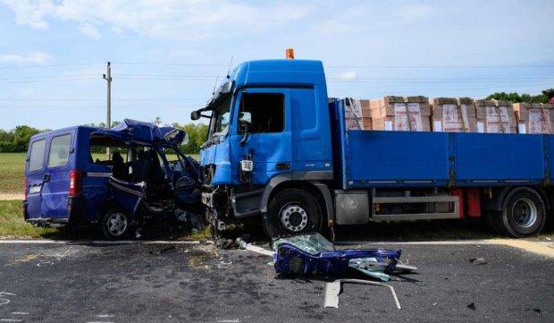 Microbuz cu români și unguri, accident cu cinci morți în Ungaria