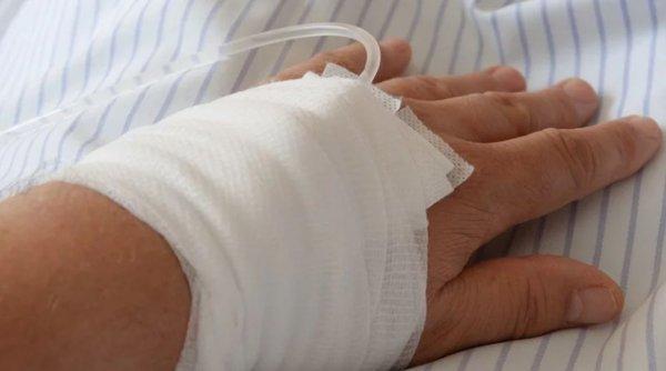 femeie internata sfantul ioan dializa confirmata cu covid 19