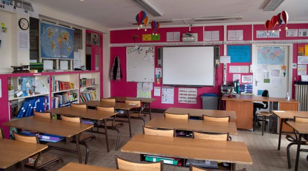 Răsturnare de situație la nici o săptămână de la începerea anului școlar. Ce se întâmplă în multe școli