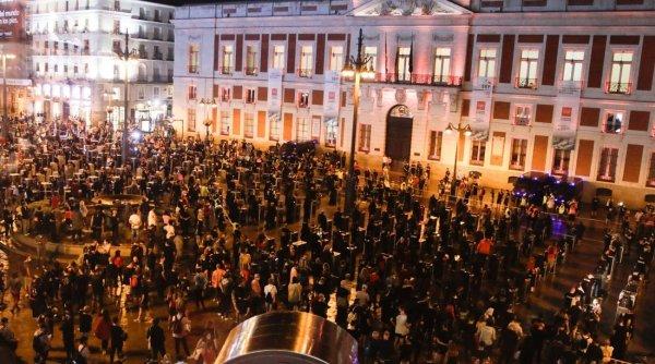 Europa intră în carantină bucată cu bucată! Miloane de oameni se confruntă cu valul doi de infectare cu noul coronavirus