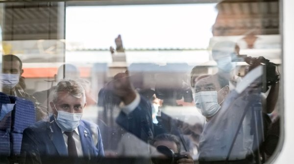 Trenul cu Orban și Iohannis a ajuns la Otopeni cu o întârziere de 35 de minute