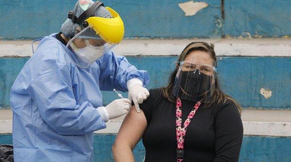 """Când e ideal să ne vaccinăm antigripal. Medic: """"Vom avea o imunitate bună în toată perioada la risc"""""""