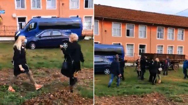 Bătaie între două femei la o secție de vot din Caraș-Severin