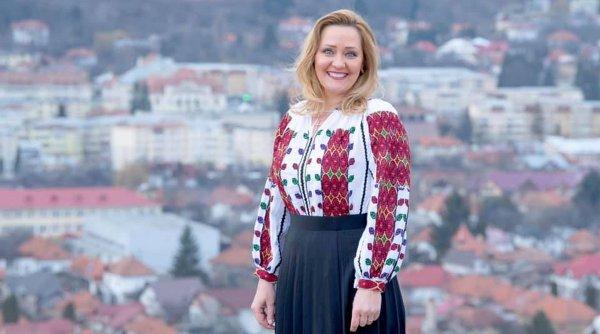 Din televiziune în politică: Elena Lasconi (USR-PLUS) a câştigat Primăria Câmpulung Muscel