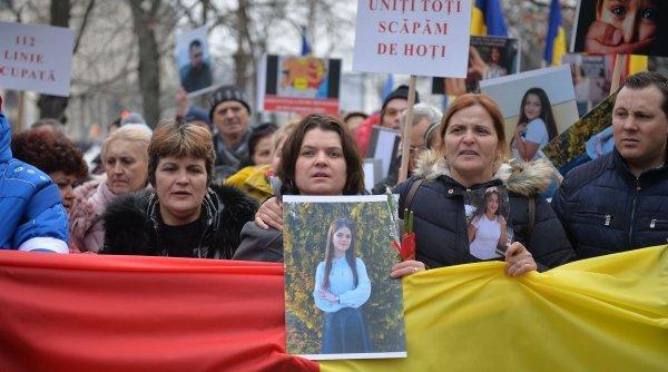 """Mama Alexandrei Măceșanu: """"Mulţumesc statului român că ne-a găsit copilul şi ne şi amendează!"""""""