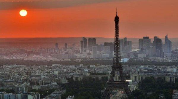 Peste 40.000 de noi infectări în Franţa, în ultimele 24 de ore. Starea de asediu a fost extinsă!