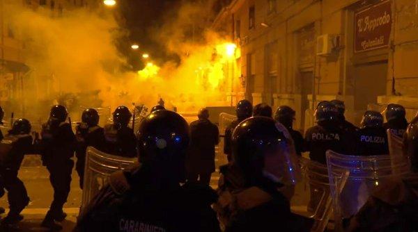 Proteste violente la Napoli împotriva carantinei și a restricțiilor din cauza COVID-19