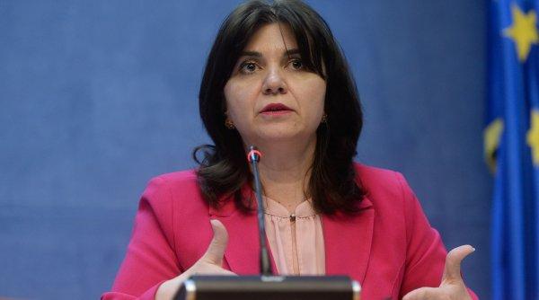 Monica Anisie: Tezele ar putea fi eliminate din programa anului şcolar 2020-2021