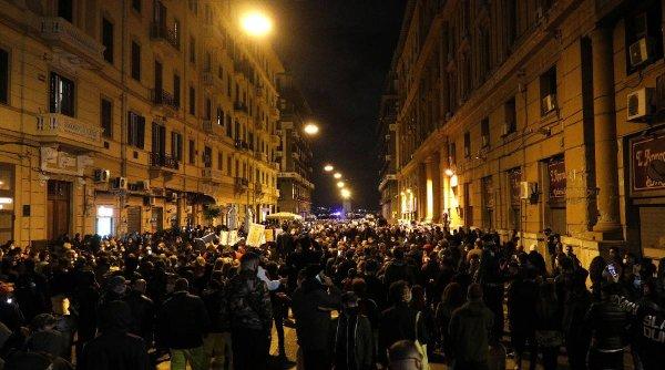 Protestele împotriva restricţiilor pandemice zguduie Italia. Ciocniri violente între poliţie şi protestatari la Napoli, Torino şi Milano