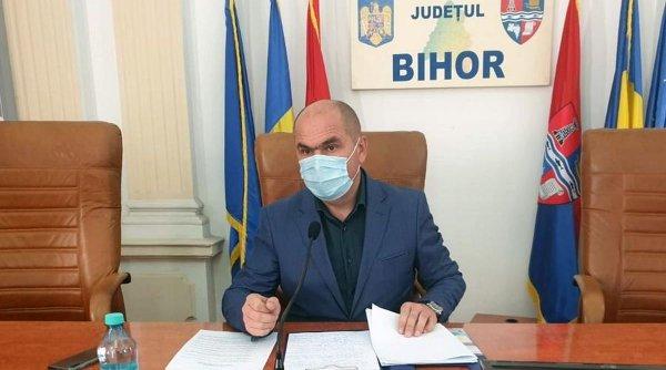 """Revoluţie la Bihor: Ilie Bolojan dă afară jumătate din angajaţii Consiliului Judeţean. Mulţi dintre ei """"tăiau frunze la câini"""""""