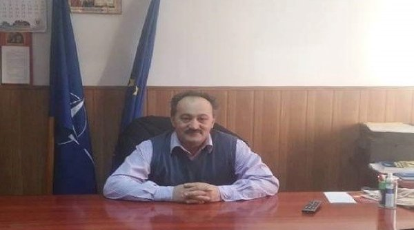 Primarul reales din Vlădești, Argeș, a fost prins transportând lemne fără acte de proveniență. Acesta a mai avut probleme cu legea