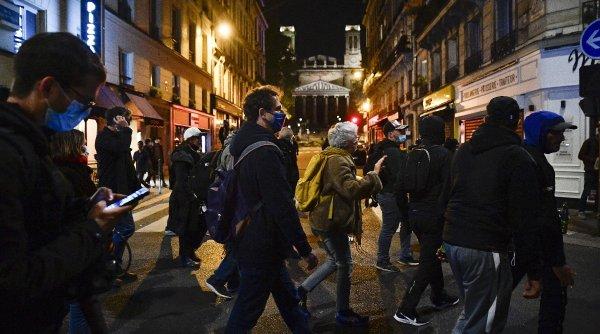 Proteste anti-carantină în toată Franța! Oamenii au ieșit în stradă în marile orașe, cerând demisia lui Emmanuel Macron