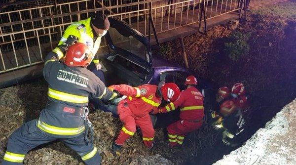 Accident în Suceava! Un şofer de 27 de ani a căzut cu maşina în albia unui pârâu, Declaratie Proprie Raspundere Online