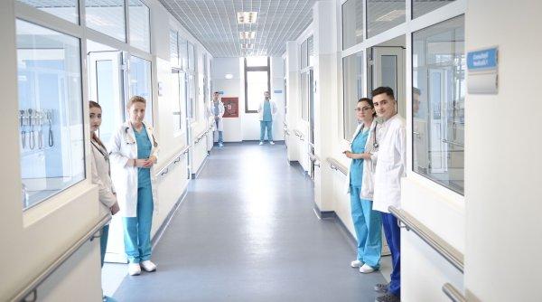 720 de studenți voluntari au fost repartizați în spitale COVID din toată țara, pentru a-i ajuta pe medici să facă față numărului mare de cazuri