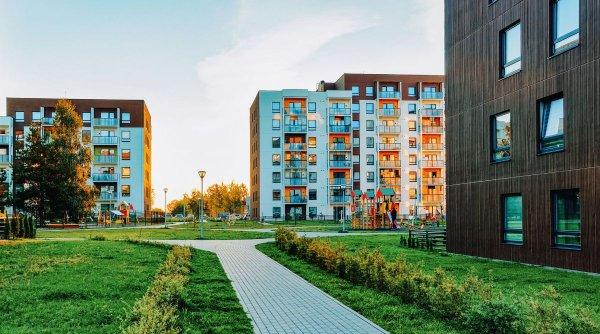 Avantaje și dezavantaje ale locuinței la parter. Care sunt criteriile luate în considerație la cumpărare sau închiriere?