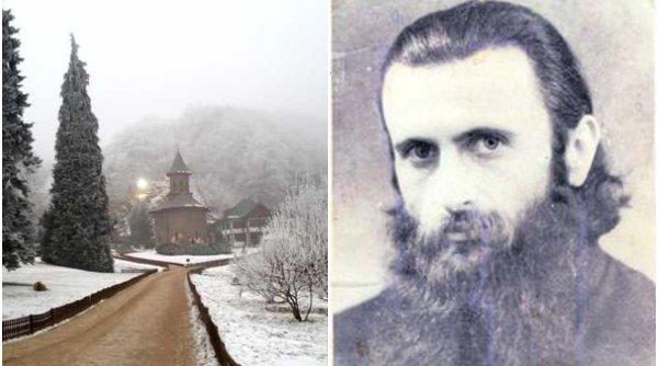 Parastasul părintelui Arsenie Boca, păzit de jandarmi. Sute de oameni înfruntă frigul şi pandemia la Mănăstirea Prislop