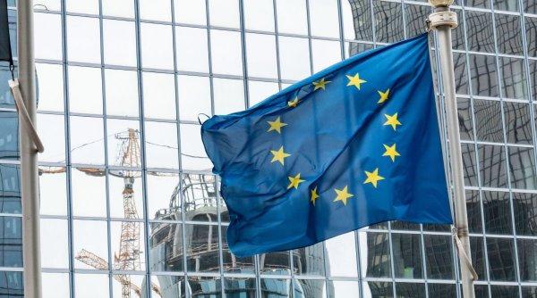 Comisia Europeană recomandă slujbe de Crăciun online!