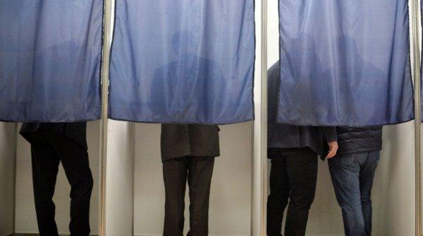 Premieră electorală. Românii sunt invitaţi la cârciumă pentru a-i vota pe candidaţii la Senat şi Cameră