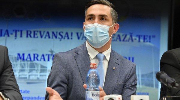 800.000 de copii şi adolescenţi români, eligibili pentru vaccinare anti-COVID, a anunțat Valeriu Gheorghiță