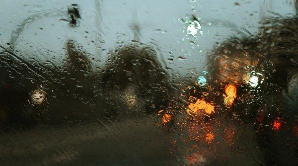 """Ploile artificiale, o nouă speranță pentru orașele poluate: """"Totul este foarte bine controlat!"""""""