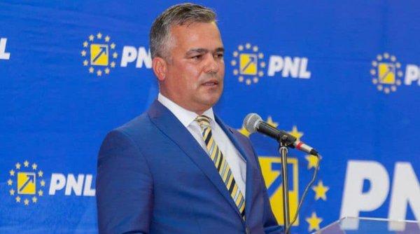 """Adrian Veștea, învins de Rareș Bogdan: """"Am fost martorul unei minuni. Aproximativ 1.200 de votanți au furnizat fix 1.842 de voturi"""""""