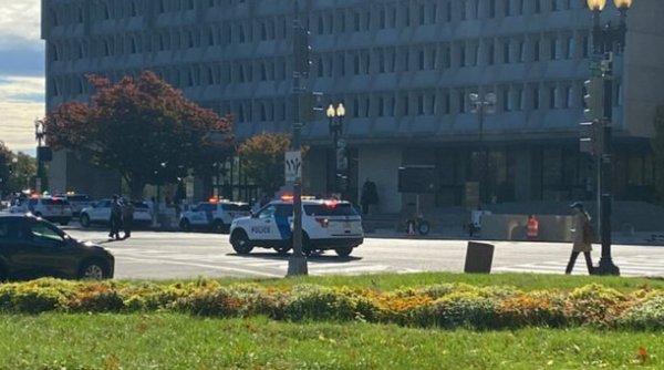 Amenințare cu bombă la Departamentul Sănătății din SUA. Întreaga clădire a fost evacuată