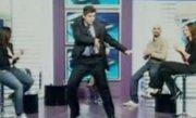 Tălmăcean's bad: Vezi ce show face politicianul PDL pe muzica lui Michael Jackson
