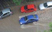 Zile de cosmar pentru sutele de mii de turisti de pe litoral. Ploile au inundat strazile si au paralizat traficul