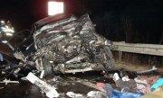 Tragedie fara margini pe E85, �n Vrancea. O mama si copilul ei de 7 ani au murit �ntr-un tragic accident. Alti 4 oameni, �n stare grava la spital