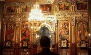 Este o RUŞINE pentru Biserica Ortodoxa Rom�na comportamentul acestui preot. Ce a ajuns sa �i faca sotiei sale