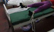 Acuzatii grave la Spitalul Judetean din Craiova. O femeie sustine ca si-a gasit mama legata de un pat
