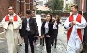 Crucea daruita tinerilor de Papa Ioan Paul al II-lea �n 1984 a ajuns la Bucuresti