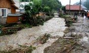 Este PRĂPAD �n zeci de localitati din cauza inundatiilor. Apele au acoperit F�NT�NILE, iar oamenii nu mai au apa potabila