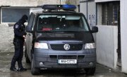 Descinderi la persoane acuzate de tentativa de omor si de furturi din locuinte, printre care si casa lui Theodor Stolojan
