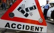 Microbuz implicat într-un accident. Zece persoane au fost rănite