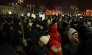Proteste în fața Parlamentului! Peste 2.000 de oameni au ieșit în stradă