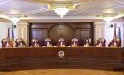 Klaus Iohannis sesizează CCR privind legea care le permite parlamentarilor să fie comercianți
