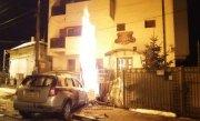 Sute de familii dintr-un municipiu au rămas fără gaz, după ce un tânăr fără permis a lovit cu maşina o ţeavă de alimentare