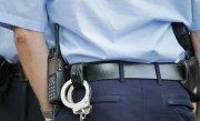 Un poliţist local din Capitală a fost reținut. Este acuzat de trafic de influenţă