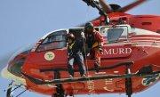 O româncă din Italia a decedat după ce a căzut într-o prăpastie. Trupul femeii, transportat cu elicopterul (VIDEO)