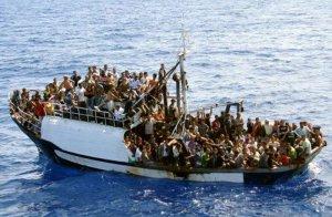 Cadavrele a 15 imigranţi, găsite în Marea Mediterană