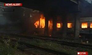 Tren de călători în flăcări, pe ruta Dorohoi-Iaşi. Pompierii au intervenit cu două autospeciale