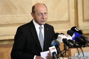Băsescu: UE şi NATO să pună la dispoziţia Ucrainei tehnică militară, pentru ca armata ucraineană să nu devină carne de tun