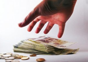 Primăria Capitalei vrea să dea circa 175.000 de euro pe 3.000 de marmite