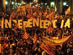 """Parlamentul Cataloniei a votat organizarea unei """"consultări populare"""" privind independenţa"""