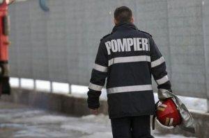 Incendiu de proporţii în zona Pantelimon din Capitală. Două persoane s-au intoxicat cu fum
