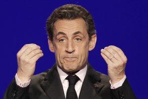 """Nicolas Sarkozy îl acuză pe François Hollande de """"minciuni"""""""