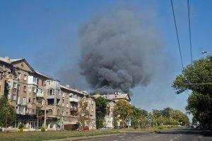 Centrul oraşului Doneţk, atacat cu obuze
